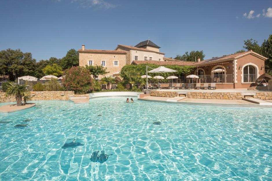bassin camping avec piscine chauffée en Ardèche